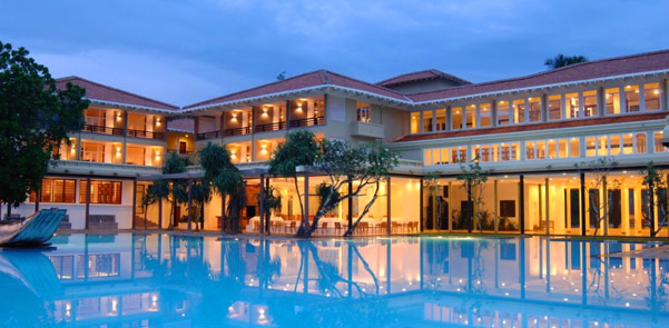 blue-water-hotel